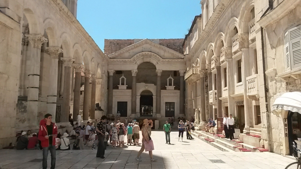 TOTAL SPLIT TOUR (Diocletian's Palace & Old Town)-3h